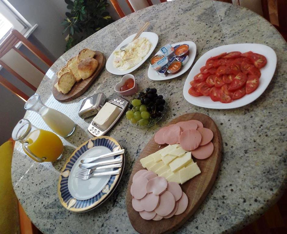 Seoska_kuca_Vidikovac_hrana 04